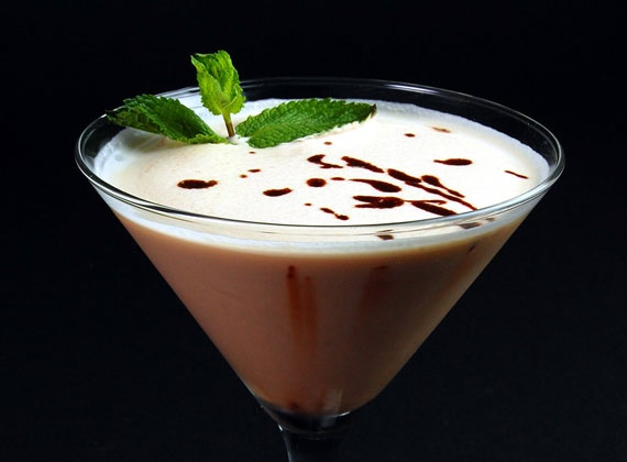 Chocolate Martini | @Omecaterer #njcatering #nycatering #caterersnj | Ome Caterers Catering NJ NY CT | Wedding Reception Ideas Decorations, Bat Mitzvahs, Charity Golf Outing, Fundraising, Corporate, Event Planner