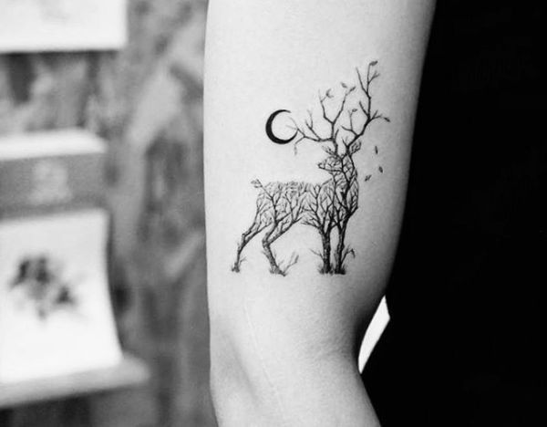 20 Hirsch Tattoo Ideen – Bilder und Bedeutung