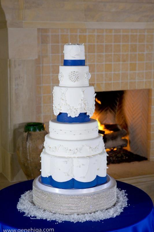 TOP5 Pro, @Catherine Joanne Cakes   Royal blue wedding cake