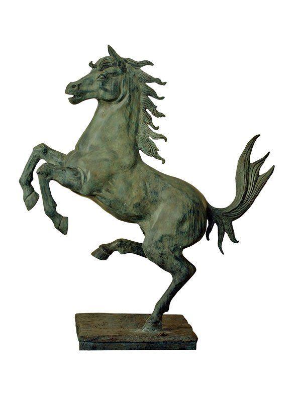 Mr Fredrik ~ Stegrande häst på platta 1,5 m hög - SovrumsShoppen.se