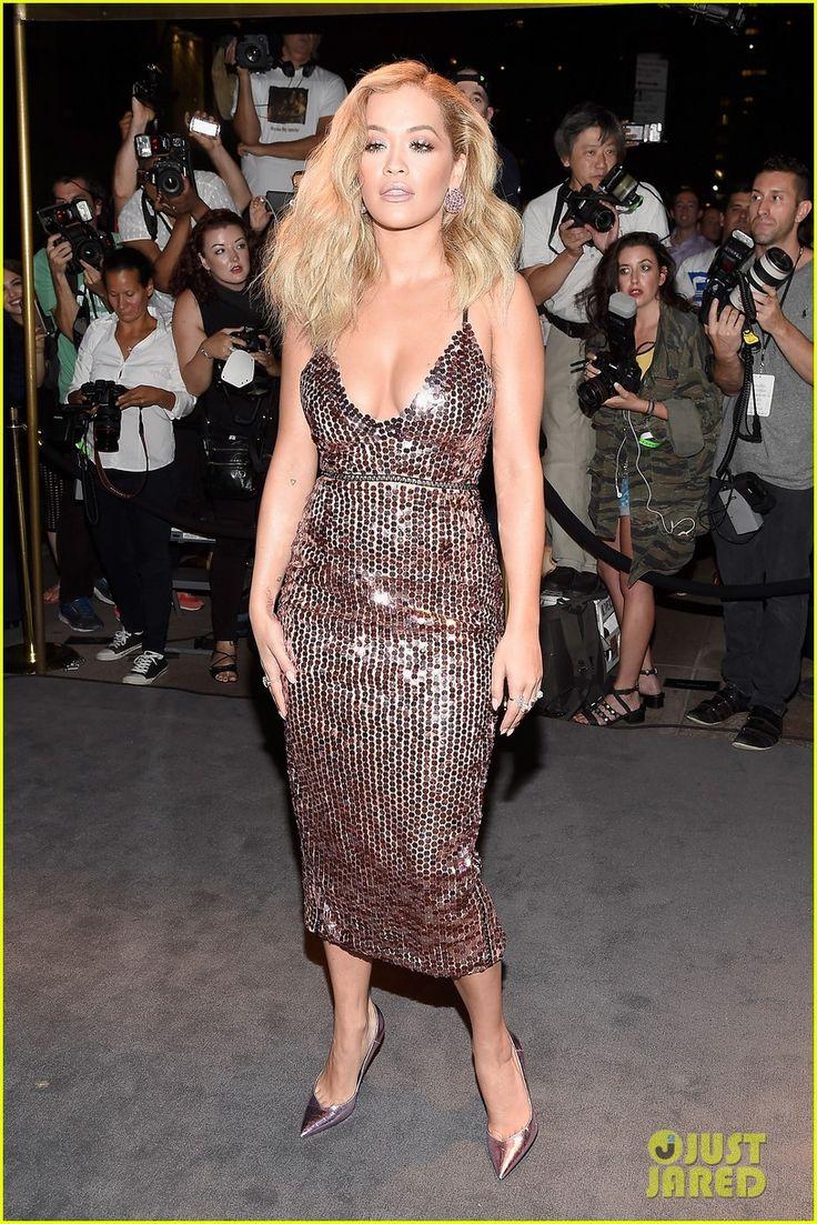Julianne Moore & Rita Ora Are Tom Ford Fashion Show Beauties | julianne…