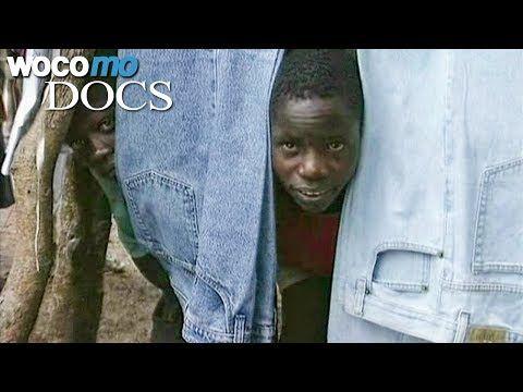 Wie der Jeans-Markt Afrika arm gemacht hat Eine Saga aus der Rohstoffwelt, der globalen Konfektions- und Textilindustrie und der Welt der Bluejeans. Dies ist die Geschichte eines Dorfes in Ostafrika in seinem Verhältnis zum Weltmarkt über zwei Jahrzehnte Liberalisierung und Globalisierung. Was... - #Afrika, #Doku, #Industrie, #Jeans, #Kinderarbeit, #Menschen  http://www.dokuhouse.de/wie-der-jeans-markt-afrika-arm-gemacht-hat/