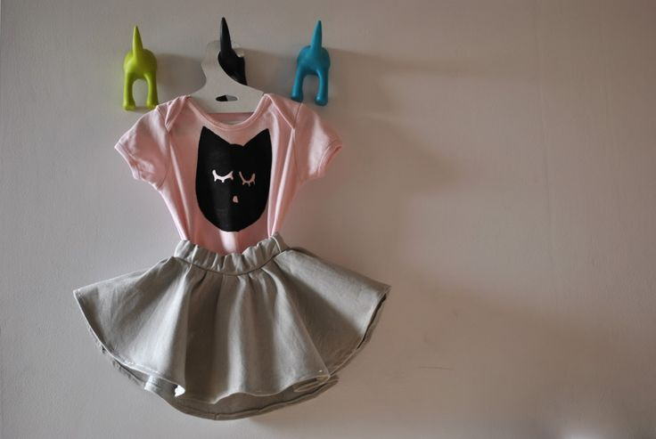 circle skirt and painted cat