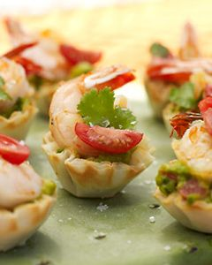 Shrimp & Guacamole Phyllo Cups #appetizers