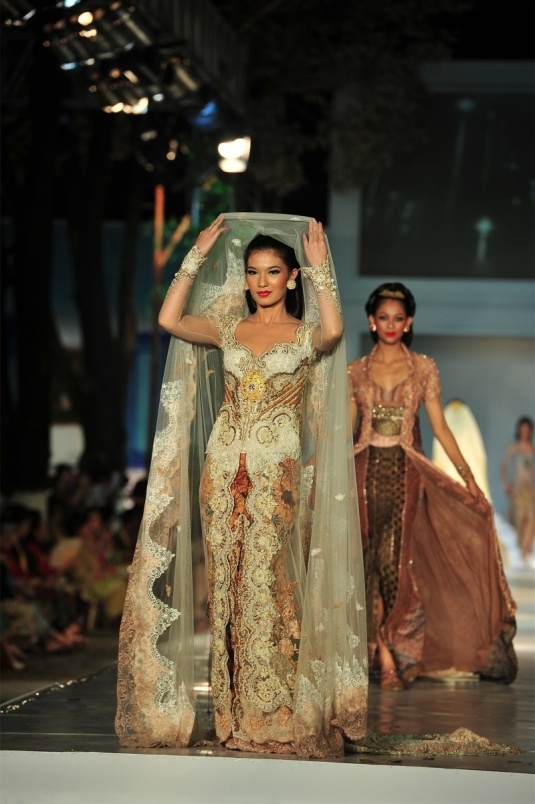 kebaya wedding dress - truly indonesian.