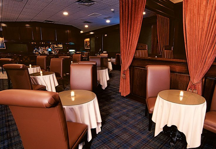 """Cucina Calandra is undoubtedly a """"family kitchen"""", providing classic Italian cuisine in a family-friendly environment. Click for additional information."""