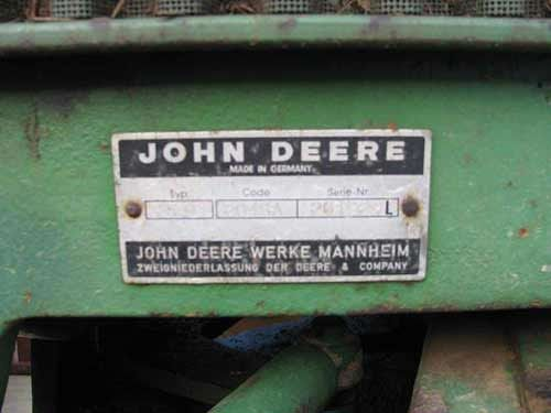 John Deere 2040 tractor mfg information plate. Salvaged for used parts. All States Ag Parts 877-530-4430 http://www.TractorPartsASAP.com