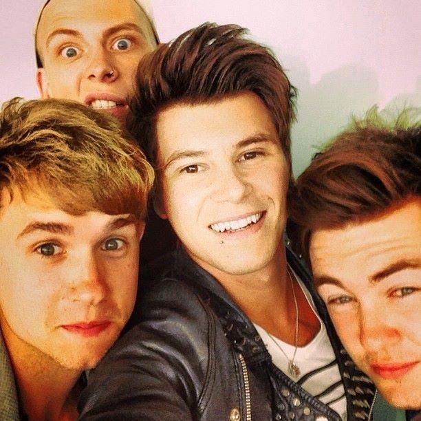 Rixton selfie alert  I lovecharley