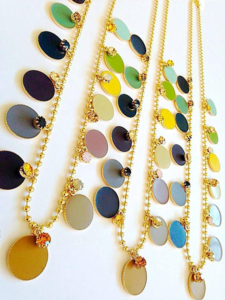 Natanè Planet necklaces with customised enamels. #necklace #collana #collane# colors #cream #green #mustard #blak #blue #bordeaux #gray #white #yellow #turquoise #brown #woman #fashion #style #outfit #swarovski #jewel #bijoux #girl #natanè #