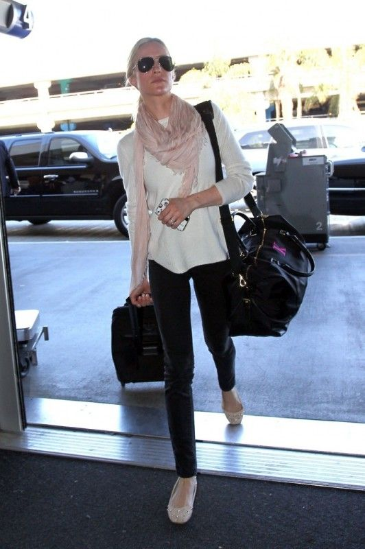 Kristin Cavallari wearing Chinese Laundry Amore Flats in New Nude 360 Cashmere Aijah Cashmere Sweater