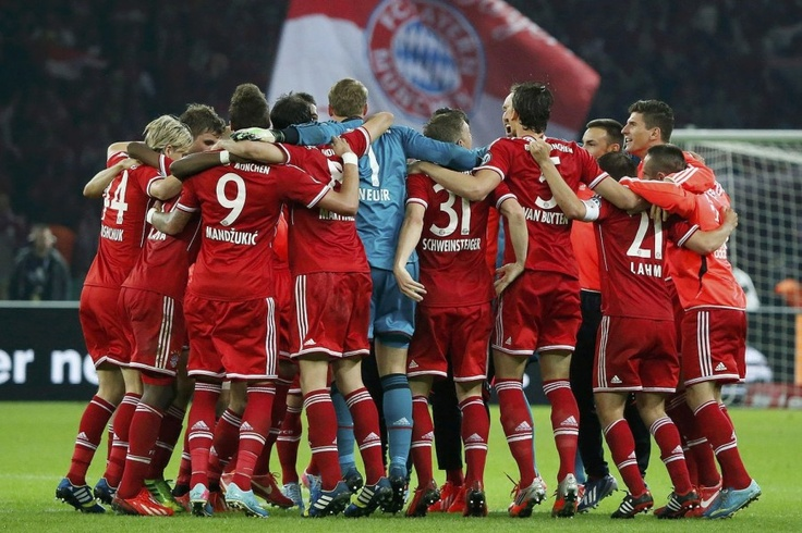 Bayern Munich's players celebrate winning their German soccer cup final match against VfB Stuttgart at the Olympic Stadium in Berlin - FC Bayern München - DFB-Pokalsieger 2013  #Triple