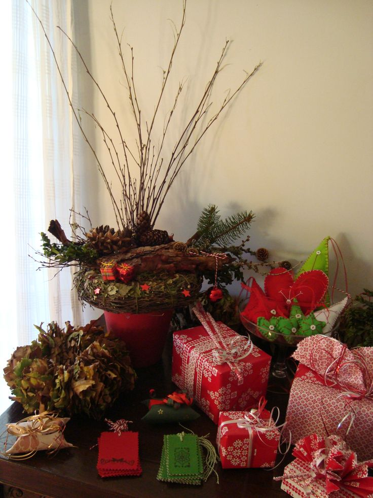 kerstdecoratie en voorbeelden gift wrapping, of kadoverpakkingen.