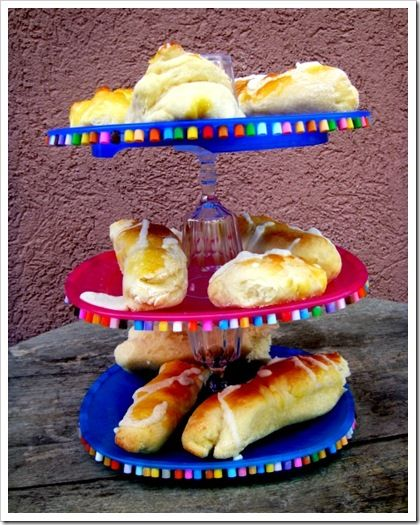 Plastic cake stand for children party.
