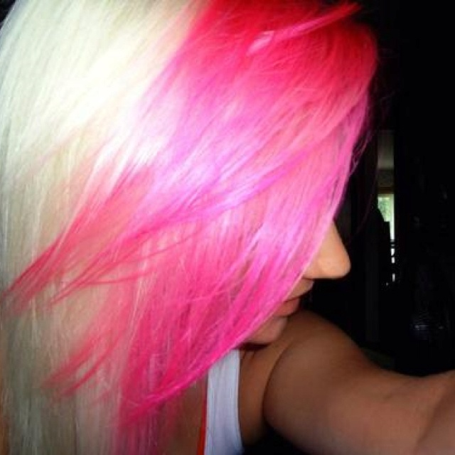 Pink and Blonde Hair<3: Hair Beautiful, Scene Hairstyles, Neat Hairstyles, Hair Colors, Amazing Hair, Pinkpurpl Hair, Hair Makeup, Pink Bangs, Colors Hair