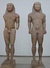 Cleobi e Bitone -VI sec. a.C. -autore sconosciuto -luogo di ritrovamento: Delfi -luogo di conservazione: Delfi -pietra scolpita a tutto tondo