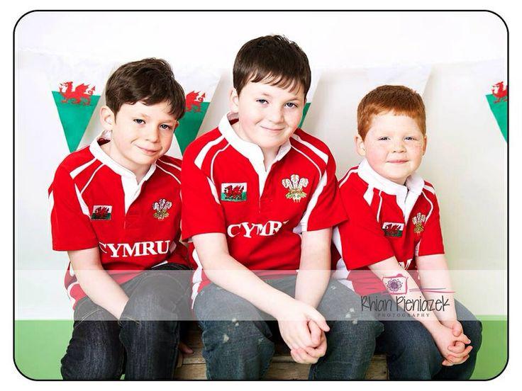 St David's Day. Welsh brothers. Rhian Pieniazek Photography 2014.