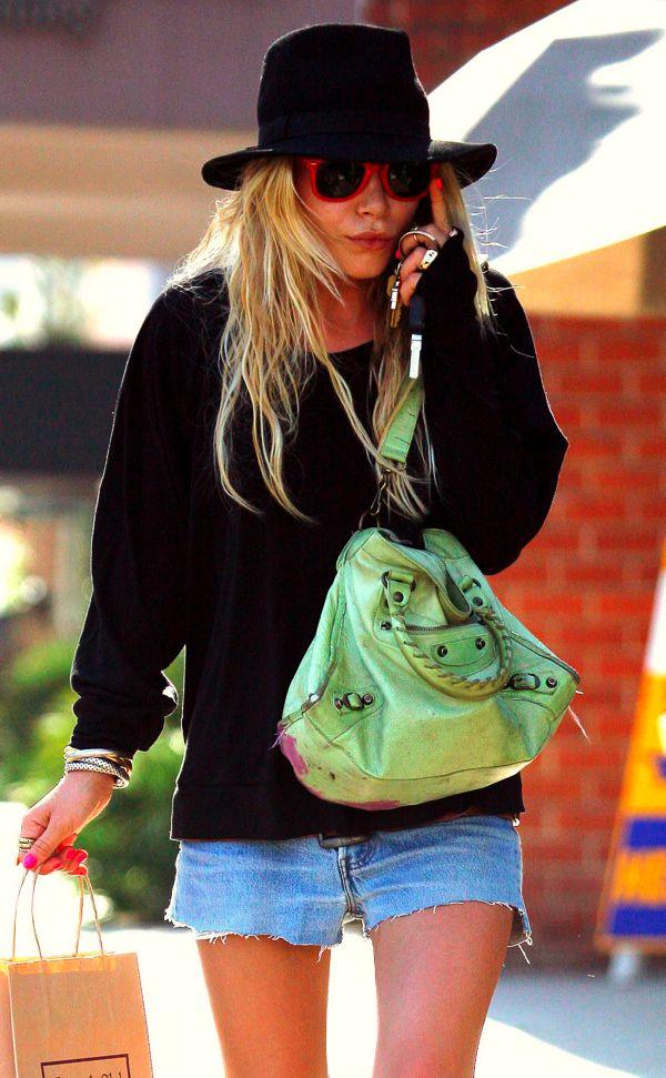 Mary-Kate: Maryk Olsen, Fashion Style, Street Style, Ashley Olsen, Mary Kate Olsen, Mary K Olsen, Nails Polish, Neon Nails, Olsen Twin