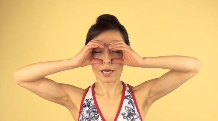How to Get Rid of Your Unwanted Forehead Wrinkles and Droopy Eyelids at the Same Time | Face Yoga Method