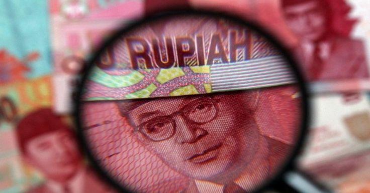 Nilai tukar Rupiah terhadap dolar Amerika Serikat (AS) bergerak melemah. Meskipun Rupiah masih berada di posisi Rp13.300-an per USD. Melansir Bloomberg Dollar Index, Jakarta, Kamis (19/1/2018), Rupiah pada perdagangan spot exchange rate di pasar Asia tercatat melemah 19 poin atau 0,14% ke...