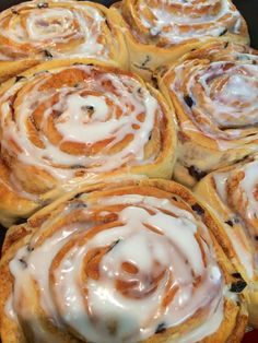 Makes 4 large buns   (I usually double it, then split into 6 very large buns and bake in an oven tray)     Ingredients :   450g strong ...