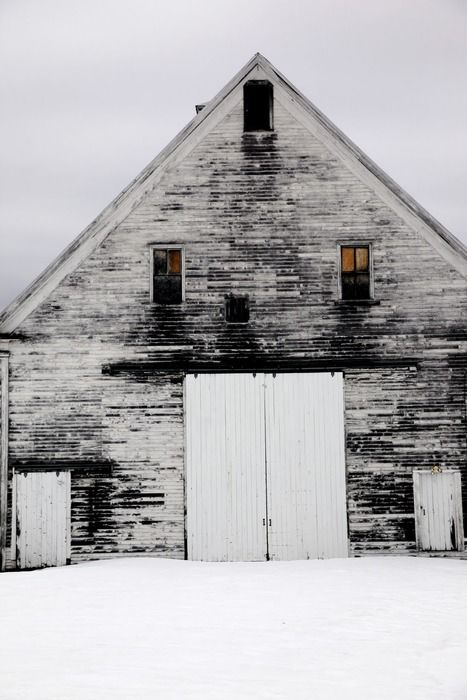 Winter white barnFarms House, Hot Coffee, Winter, Country Girls, Beautiful, White Barns, Black White, Barns Doors, Old Barns