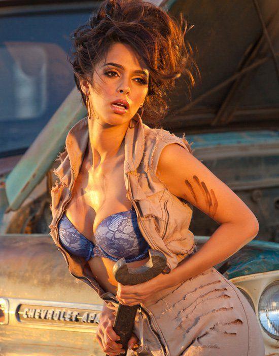 Am i hot - Mallika Sherawat -