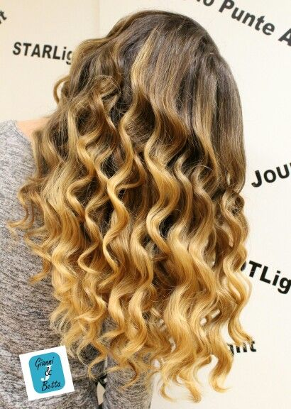 Il Degradé Joelle è l'unica colorazione in gradazione personalizzato apposta per Te! #cdj #degradejoelle #tagliopuntearia #degradé #igers #musthave #hair #hairstyle #haircolour #longhair #oodt #hairfashion #madeinitaly