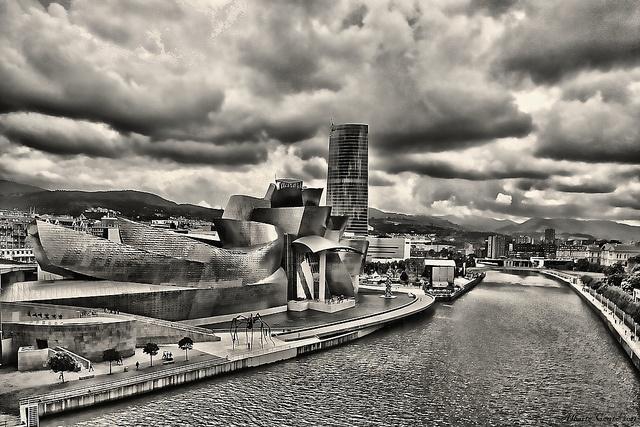 Guggenheim Bilbao e Arcade Fire. by Alberte Couto, via Flickr