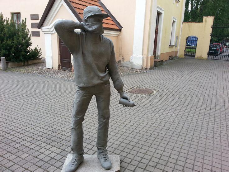 Artist? Sculpture