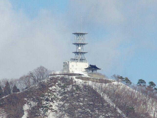 Mori mountain 2015-01-31(Hachirogata town) 八郎潟町から見える森山第二頂上