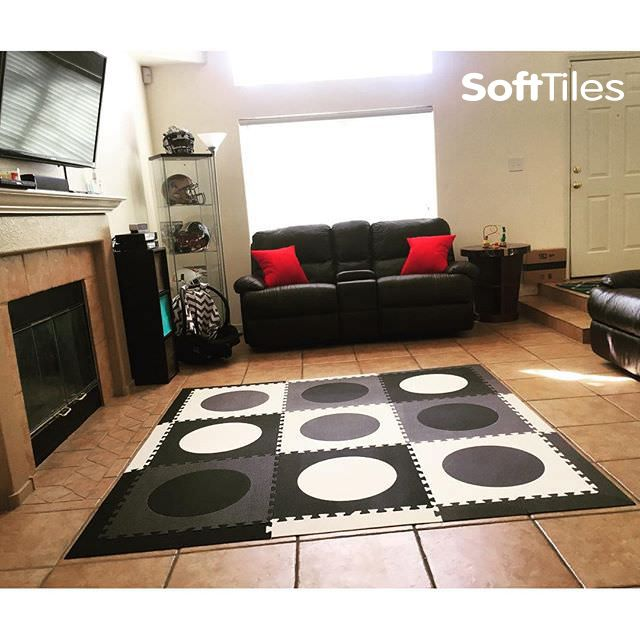 Circles Childrens Play Mat Set With Borders Black Gray White