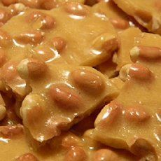 I LOVE the holiday season of gifts, Christmas cookie exchanges, the Thanksgiving feast, and holiday baking. This quick and easy peanut brittle is delicious.