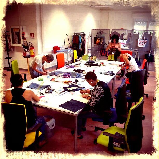 At #Work #Ecosartoria del #Cesp di #Nuoro. Foto di #Graziano #Fronteddu.
