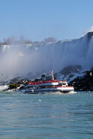 The Maid of the Mist, Niagara Falls. New York.