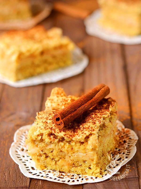 Corn apple pie gluten-free - Che raffinatezza! Servite questa meravigliosa Torta di mais alle mele, guarnendola, proprio come nella foto, con cannella e una salsa artigianale!