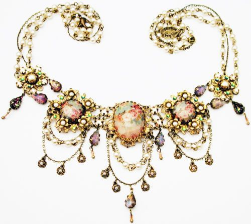 Michal-Negrin-Victorian-Style-Roses-Cameos-Crystals-Teardrops-Necklace