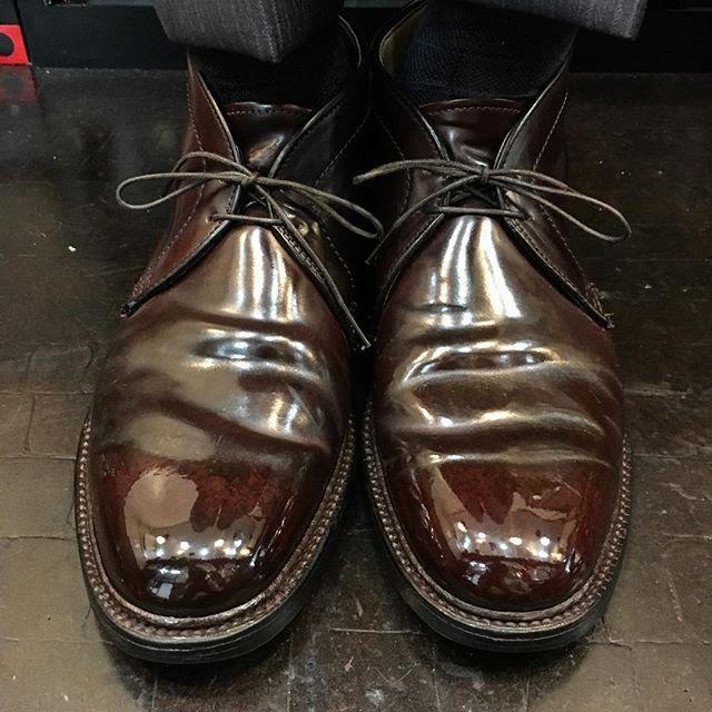 2017/10/25 12:09:49 show1fujita_shoeshiner 履き込んで出てくる色むらや色抜け、磨いてさらに増す透明感、プライスレス💸 #alden #usa #cordovan #shoeshine #shoepolish #polish #mirror #shoes #boots #leathershoes #leather #suit #clothes #fashion #style #cool #sexy #makeup #オールデン #アメリカ #コードバン #靴磨き #鏡面磨き #磨き #靴 #ブーツ #革靴 #革 #スーツ #ファッション