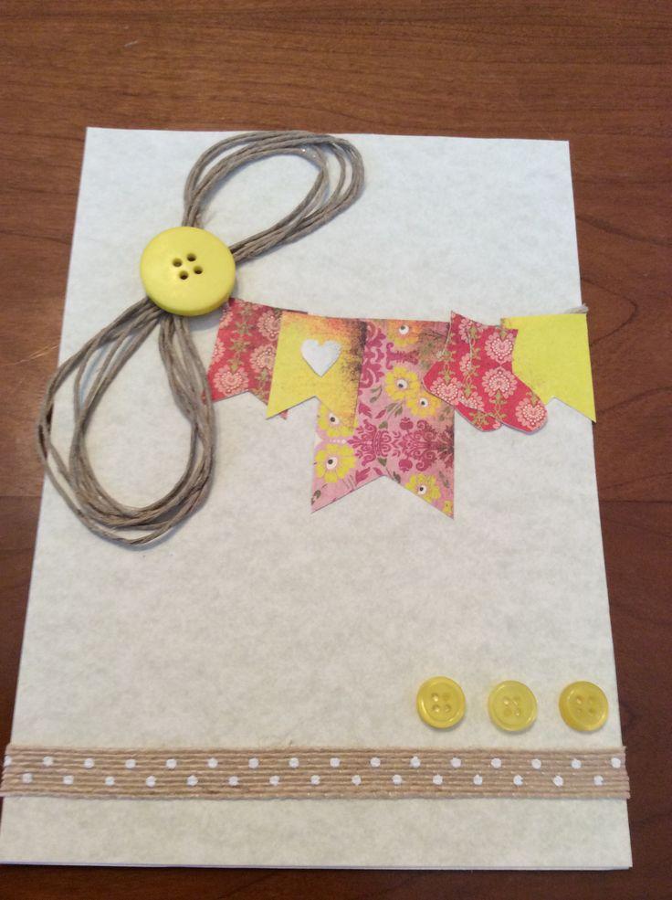 Carte naissance/shower de bébé  Carton, chanvre, boutons