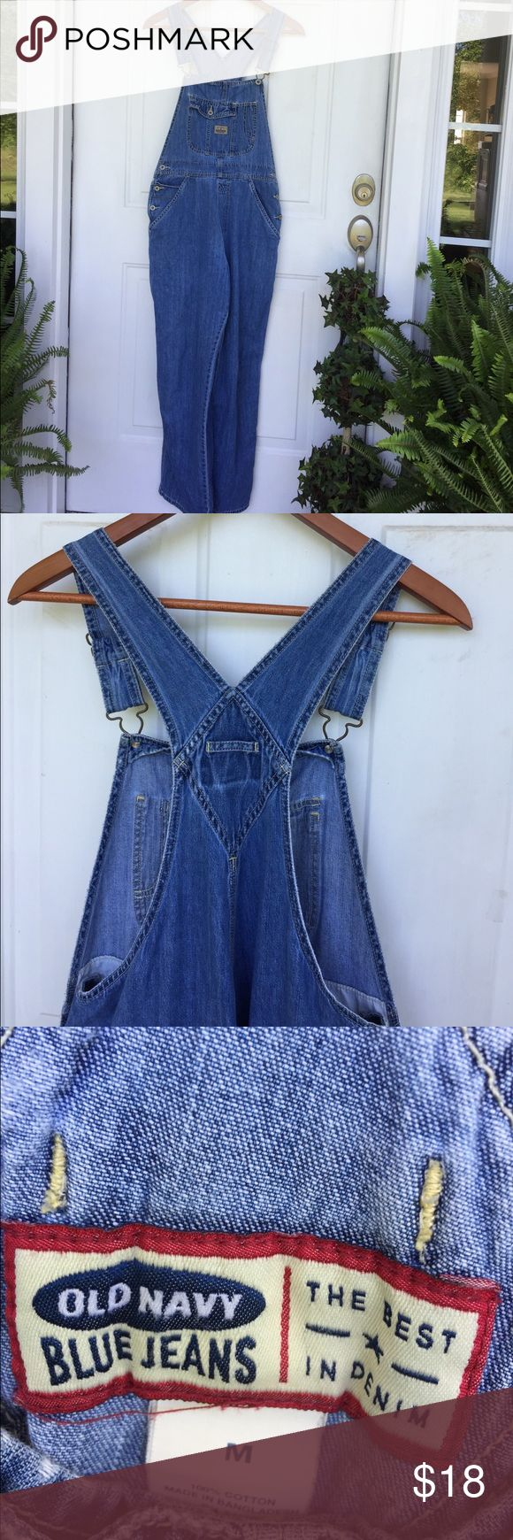 "Old Navy Overalls Vintage Old Navy denim straight leg overalls. Gently faded and soft. Adjustable straps, utility loop and plenty of pockets complete the look. No stains or holes. No missing buttons or hardware. Size medium, measuring 16"" across waist and 26"" inseam (can adjust straps to change length) Old Navy Jeans Overalls"