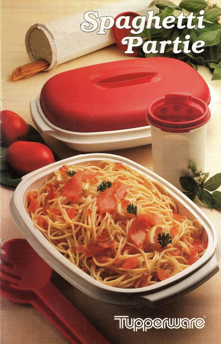 Spaghetti partie : Pâte à nouilles.Pochage.Anémone.Salade de fruits.Spaghetti bolognaise.Tagliatelles fermières, au curry. Spaghetti à la carbonara.Salade italienne.Mousse au citron.Gâteau glacé.Pâtes aux olives, aux saucisses, au pistou, au gorgonzola. Plateau réception. Perles de melon au Porto. Assiette italienne. Couronne glacée. Spaghetti aux fruits de mer, au saumon.Tagliatelles aux cèpes. Timbale milanaise.Omelette aux spaghetti.Pizza aux tagliatelles. Gâteau pommes/Pâtes coulis…