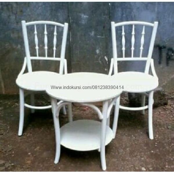 JualSet Kursi Teras Model Cat Putih Ducomerupakan Produk Mebel Jepara Indo Kursi dengan desain Bentuk Model Bundar dengan dudukan Model Bundar seperti bambu