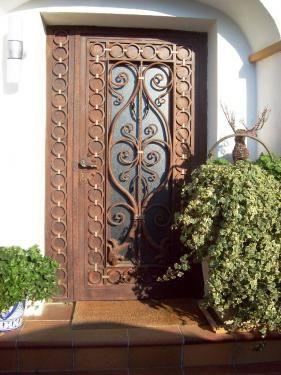 Puerta de hierro forjado puertas de hierro pinterest for Zapateras de metal