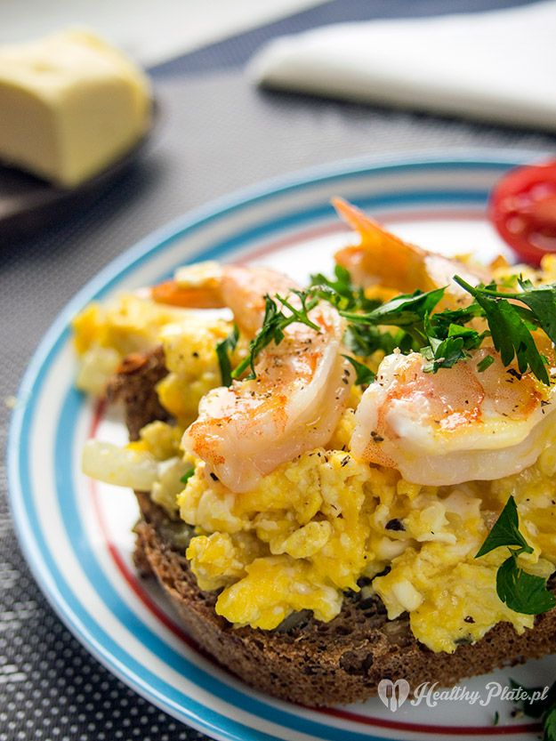 scrambled eggs with prawns / revuelto de gambas