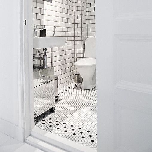 #white #bathroom 요새 많이 보이는 육각 모자이크 타일 . #tile #interior ...