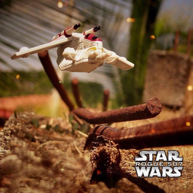 Más naves hotwheels en acción #rogueone #darthvader #theforceawakens #stormtrooper #disney #jedi #sith #love #lego #starwarsfan #yoda #art #r2d2 #marvel #hansolo #bobafett #lukeskywalker #geek #forcefriday #cosplay #darkside #chewbacca #lightsaber #toys #theforce #kyloren #c3po