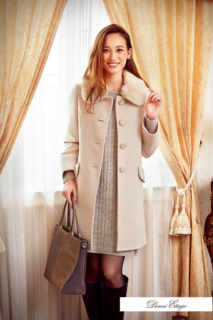 ワンピース×コート×ブーツの白コーデは冬デートの定番♪ #maria_coordinate #大人カジュアル #demi_etage #ドゥミエタージュ #ootd #fashion #winter #冬コーデ #ニット #ワンピース #コート