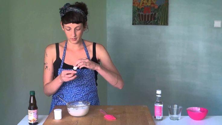 jak na jílovou masku http://www.kosmetikahrou.cz/recepty/jak-vyrobit-jilovou-oblicejovou-masku/