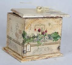 Caja de madera con efecto envejecido