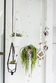 Macarmé plantenhanger