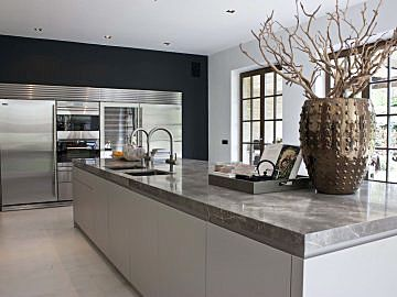 Moderne keuken in landelijk huis van de Appelboom